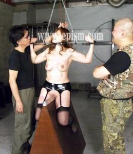 串刺伸張拷問